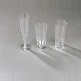 Glazen champagne, cocktail en longdrink